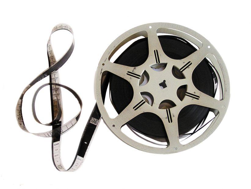 映画で流れるサウンドトラックは誰が決めるの?